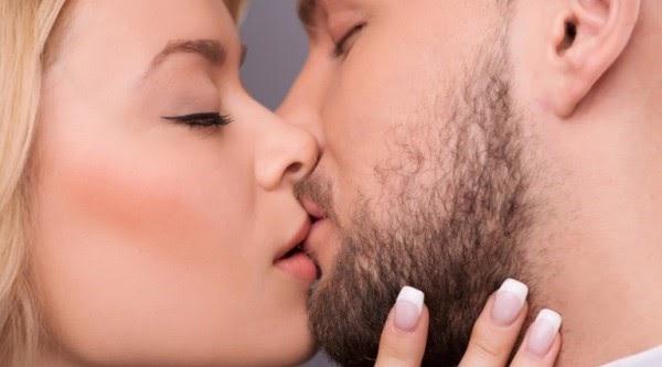 quan hệ tình dục bằng miệng có lây bệnh lậu hay không?
